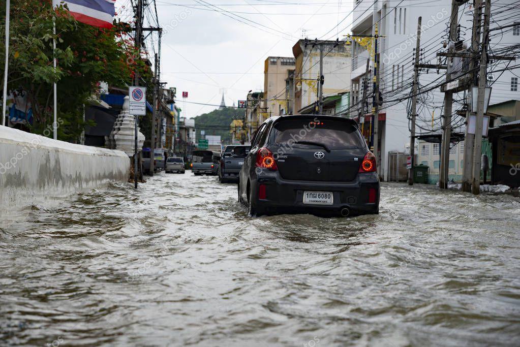 Phetcharburi, Thailand - August 23, 2018 : Flood situation in the city at Mueng, Phetcharburi, Thailand