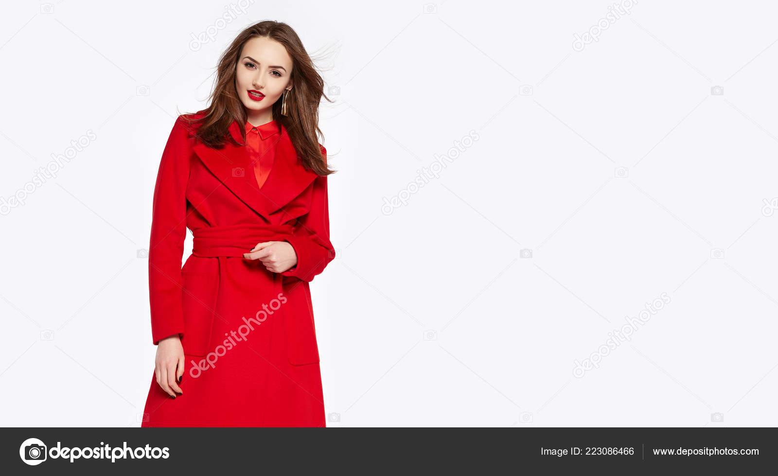 Elegante Ausschluss Der Suchen Dame Roten Mantel Unter cqA5R34jLS