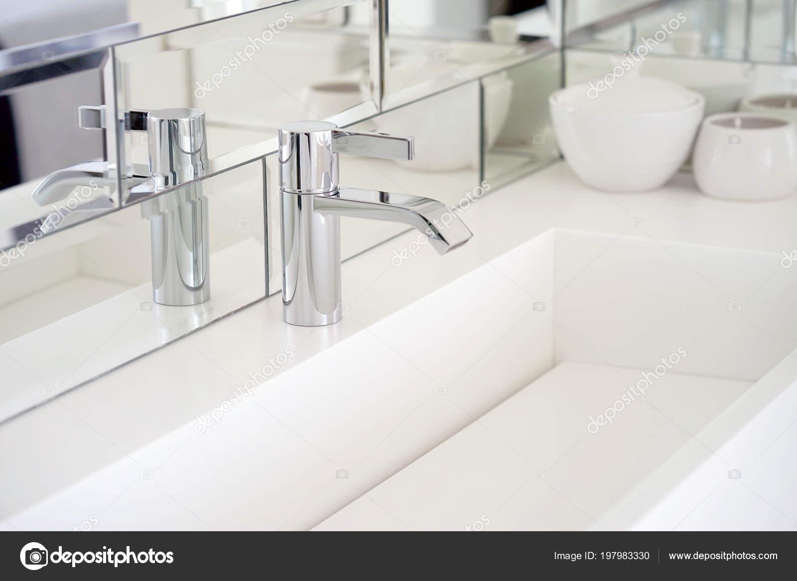 Badkamer interieur wastafel met modern design interieur van