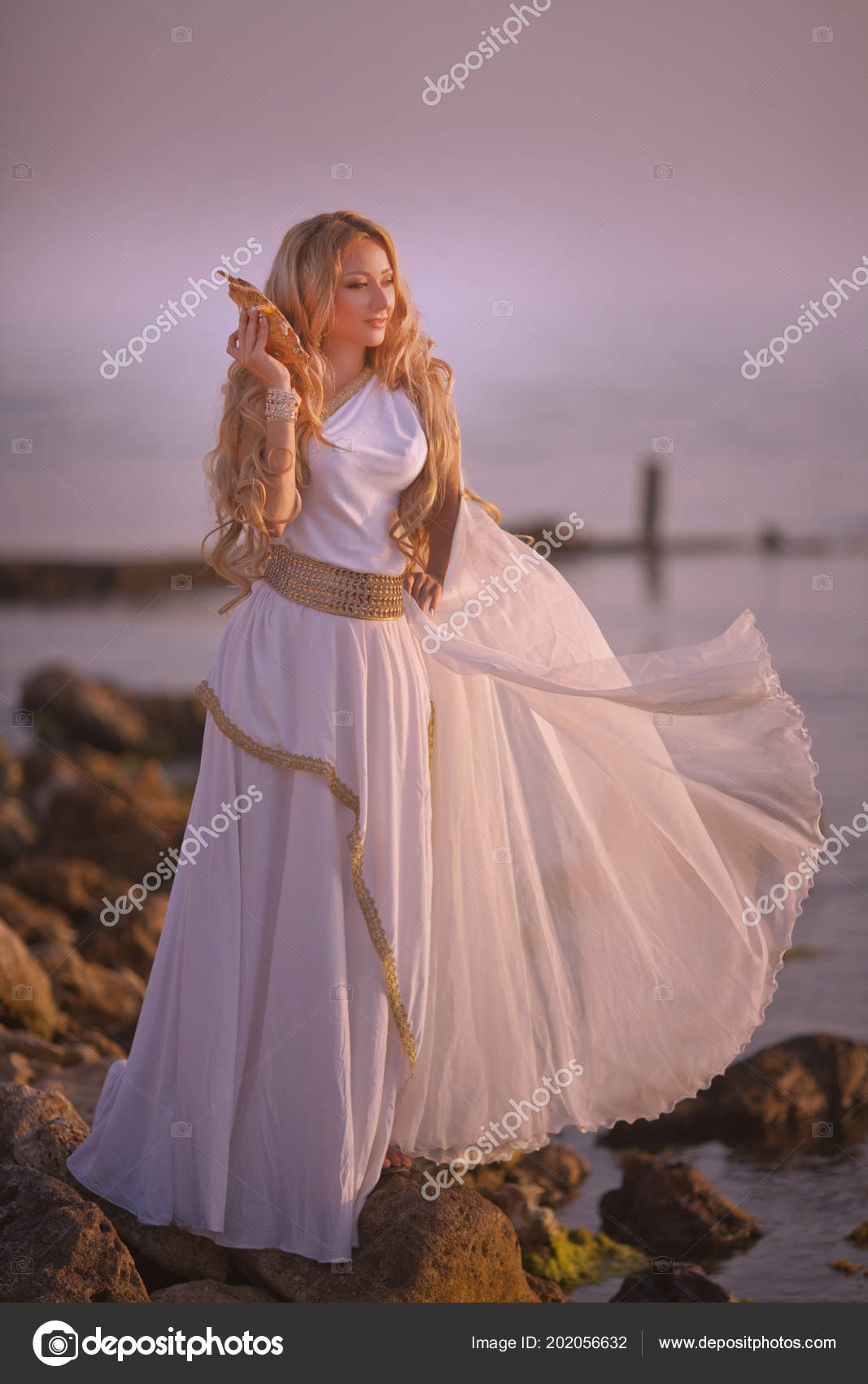 Chica Hermosa Vestido Novia Blanco Largo Estilo Griego — Foto de ...