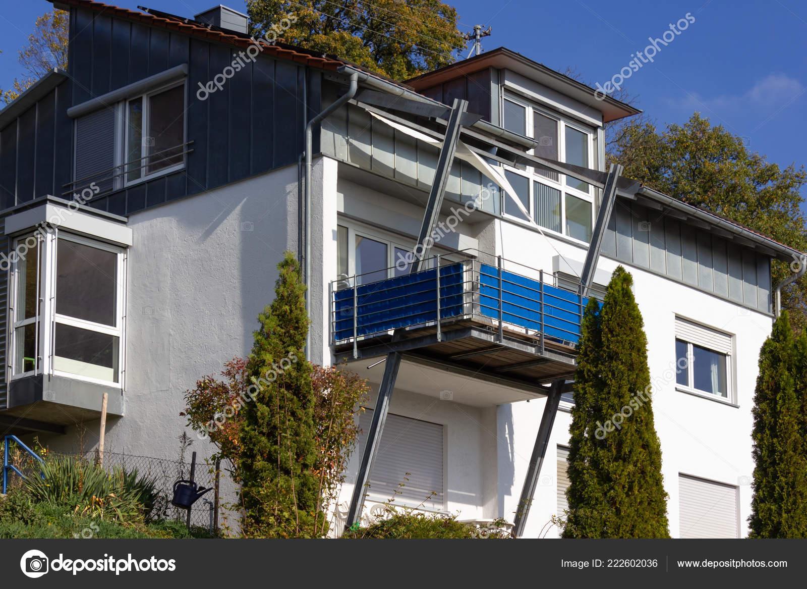 Fachadas casas modernas una ciudad peque a alemania del for Fachadas de casas modernas en la ciudad