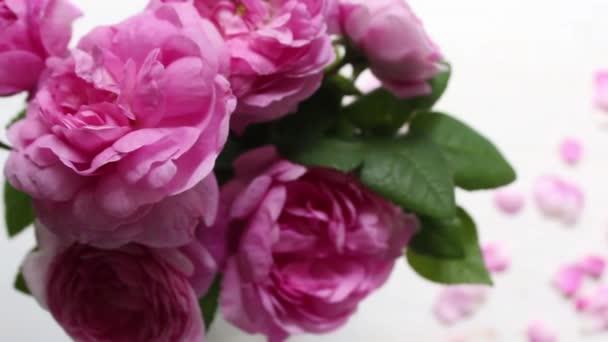 Blahopřání ke dni matek s textem a květiny