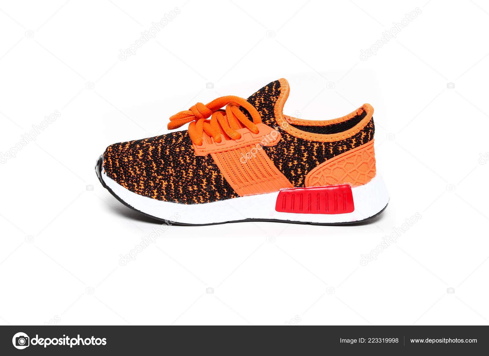 ad13a5ed005 Γυναικεία Αθλητικά Τρέχοντας Αθλητικά Παπούτσια Απομονώνονται Λευκό Φόντο  Πολύχρωμο– εικόνα αρχείου