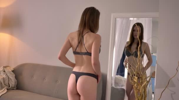Videa pro divadelní sex pro dospělé