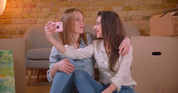 Obrovské lesbické orgie