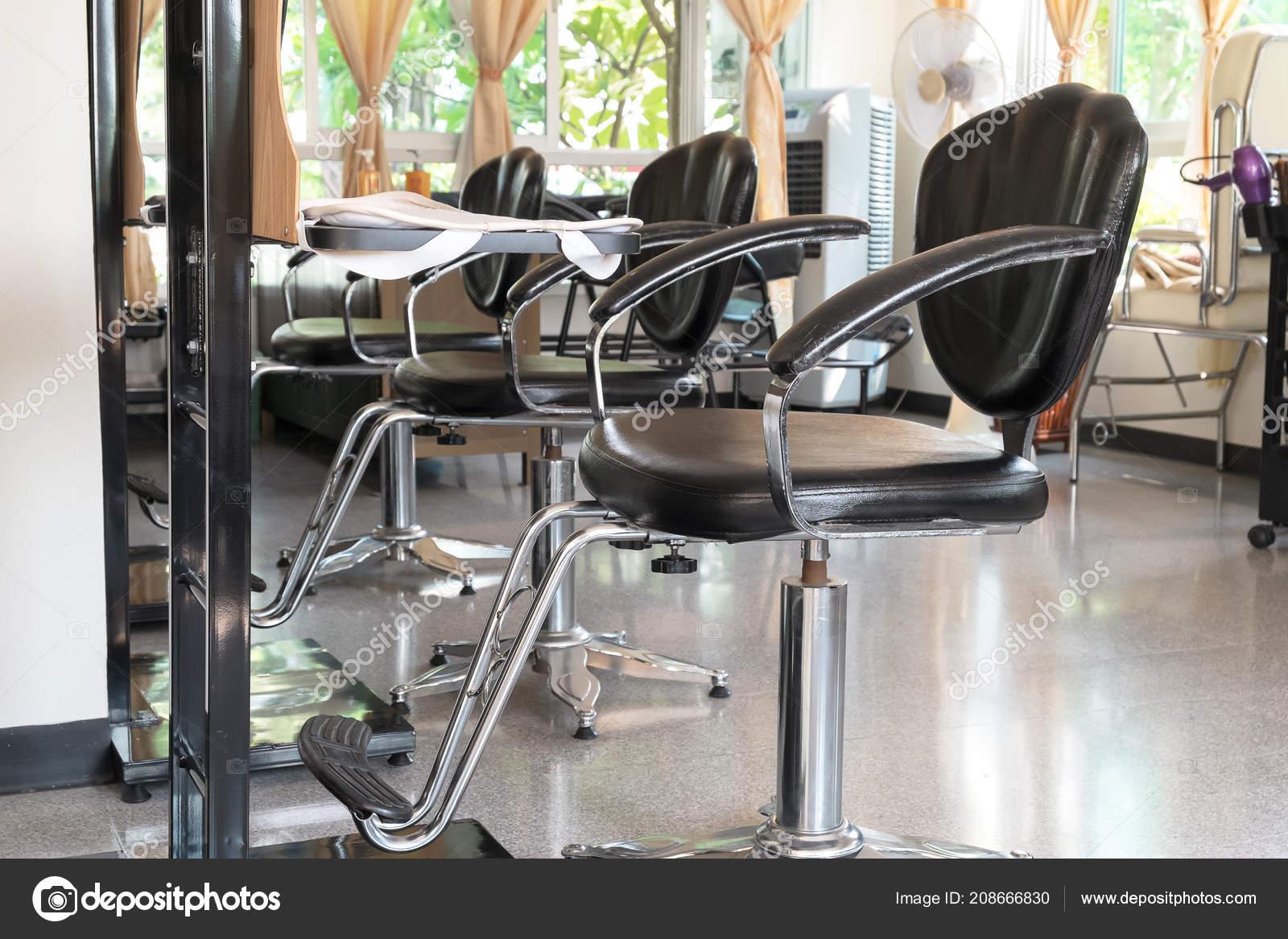 Schönen Indoor Salon Shop Saubere Und Moderne Design Friseur ...