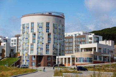 """Картина, постер, плакат, фотообои """"новый жилой район в городе у моря. новые здания жилого района ."""", артикул 299090966"""