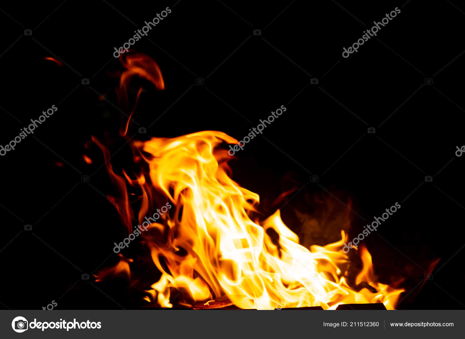 Flames Fire Burning Coals Grill Late Night Copy Paste — Stock Photo