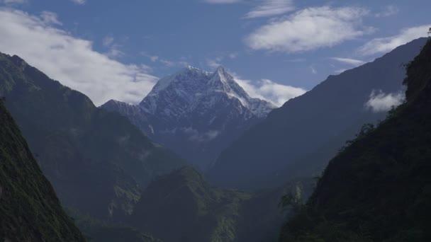 Himaláje, Nepál. Vrchol Annapurny. Timelapse