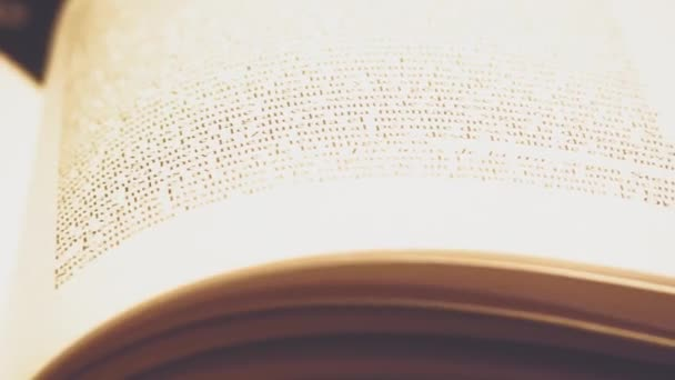 Stránky španělské knihy