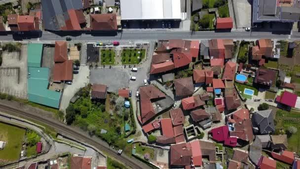 A légi felvétel a kis falu