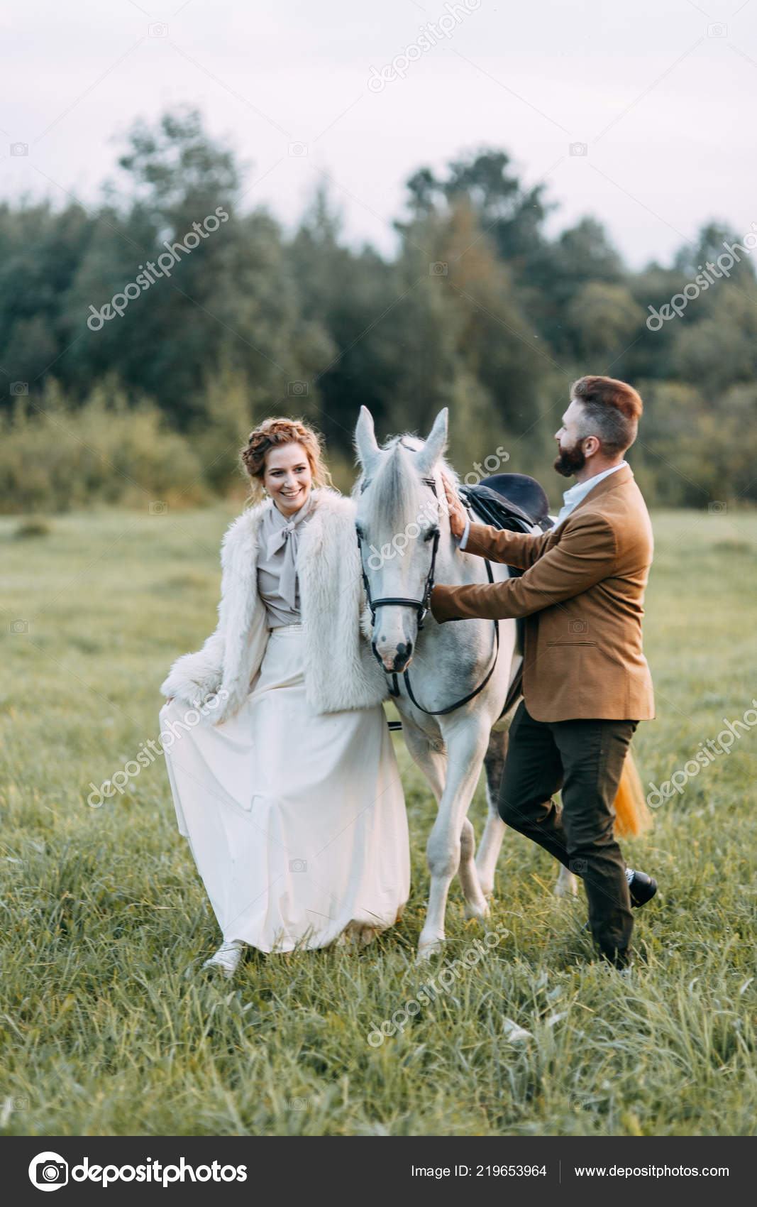 Wedding American Style Ranch Horse Walk Couples Fields Sunset Friends Stock Photo C Pavelvozmischev 219653964