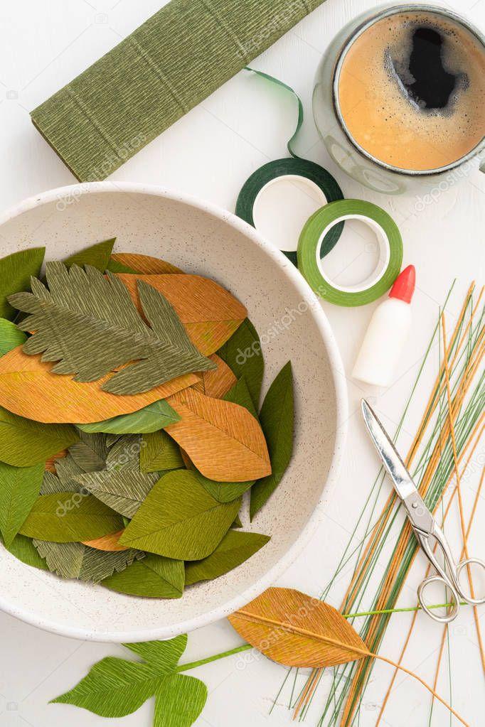 Utensils for making paper flower leaves