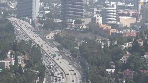 A hollywoodi autópálya légi kilátása Los Angelesben