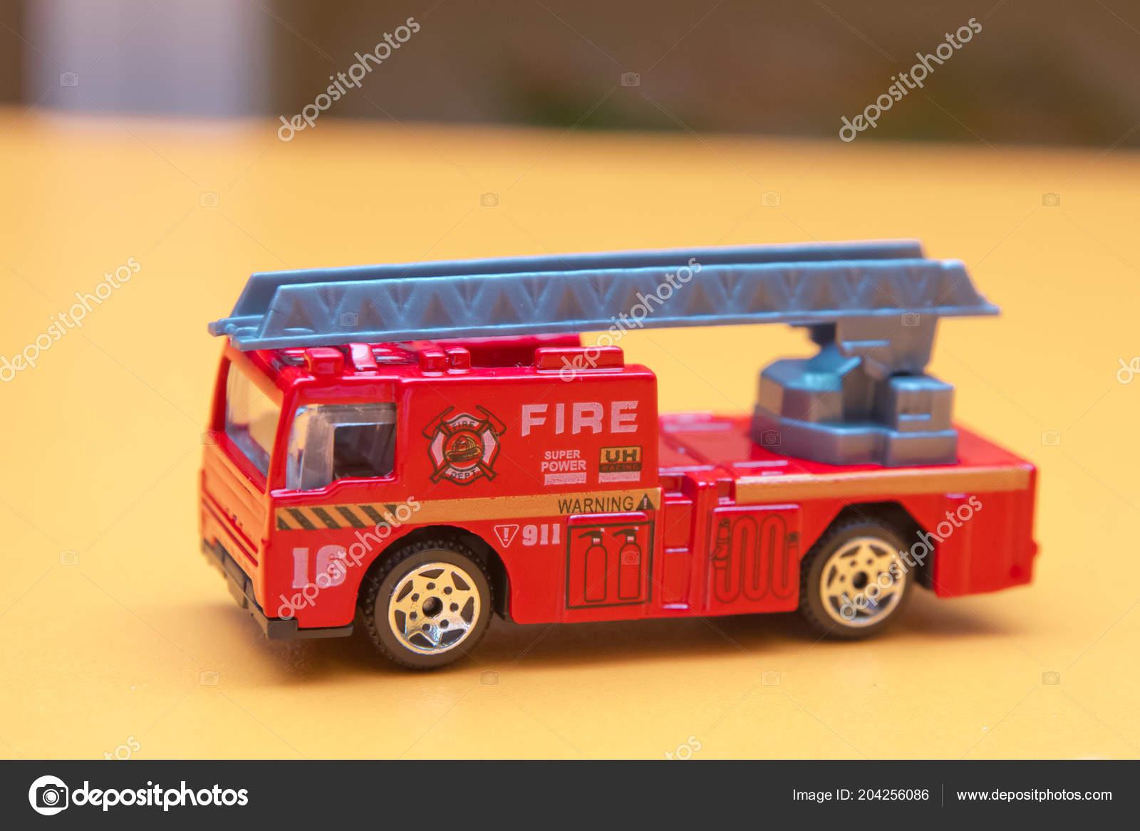 Juguete Rojo Fuego Carro Juguete Bomberos Apaga Llamas Casa Manejo
