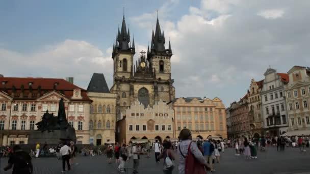 Kostel Panny Marie před Týnem v Praze. Časová prodleva