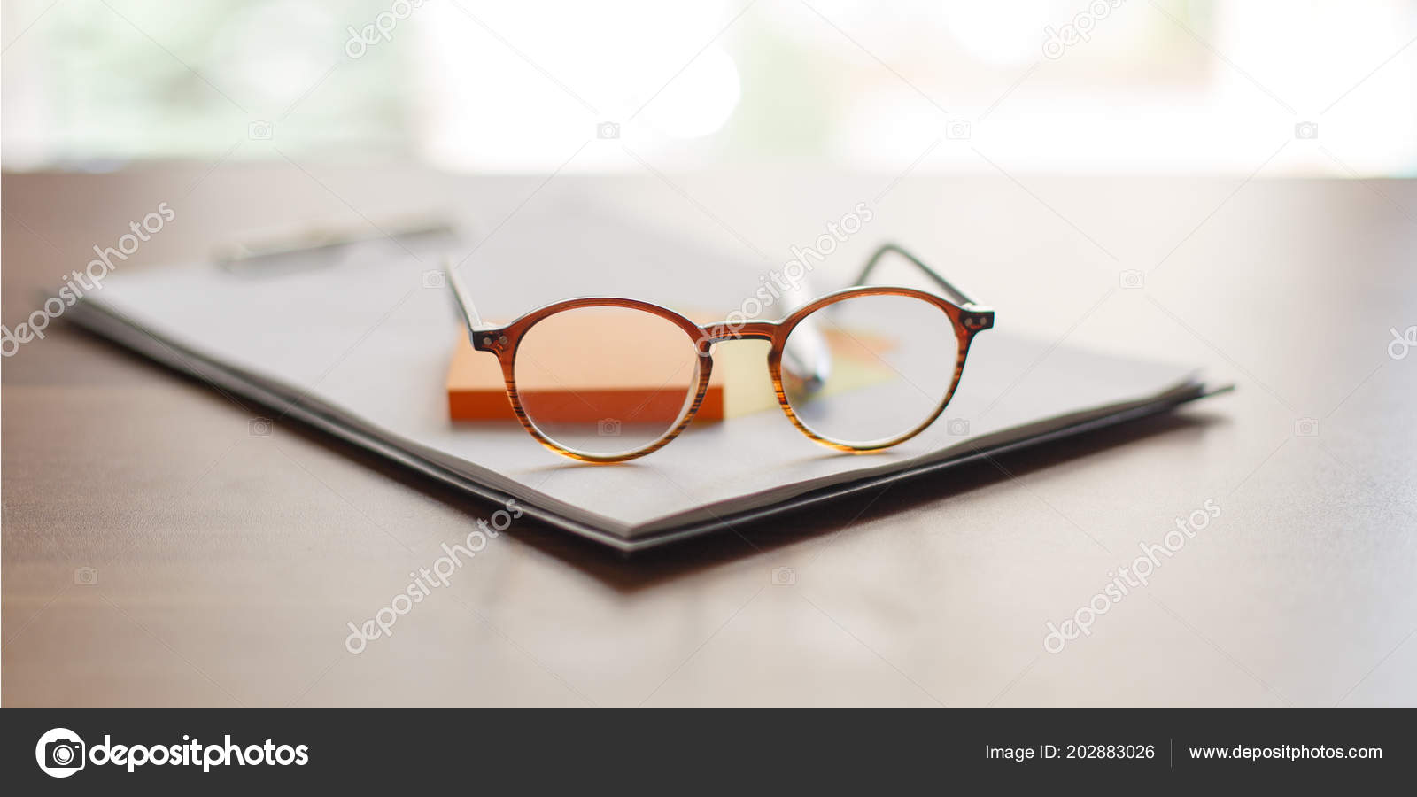 Design Thinking Finding New Idea Startup Glasses Tablet Colored