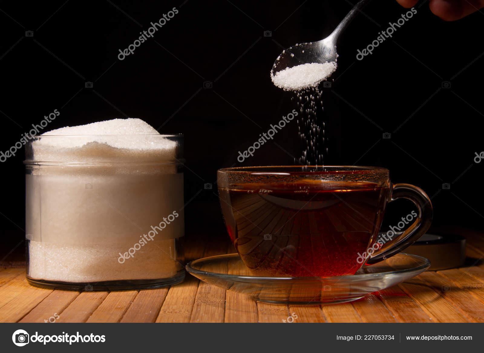 Чай с сахаром – лишний размер на талию?