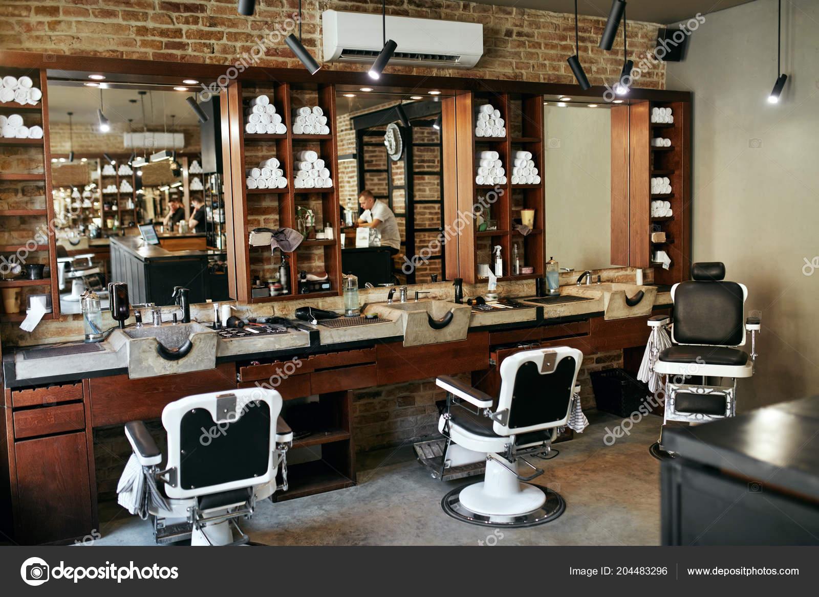Barbiere Negozio Interno Salone Bellezza Degli Uomini Con ...