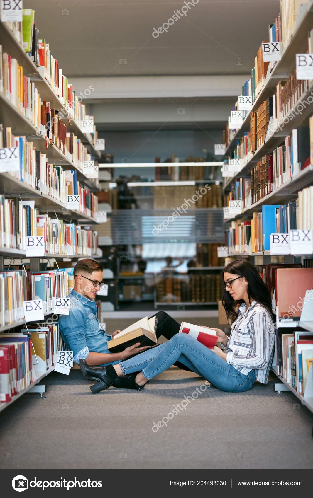 Bibliothekinnen aus einem Bibliotheksmann