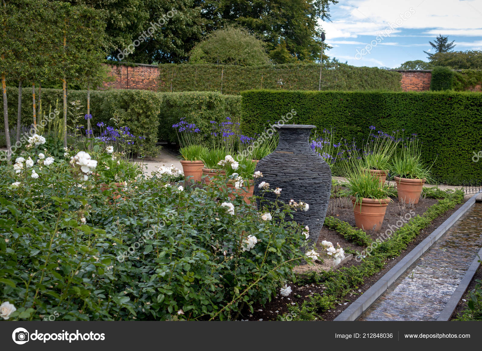 Alnwick Northumberland Juillet 2018 Jardin Ornement Dans Les ...