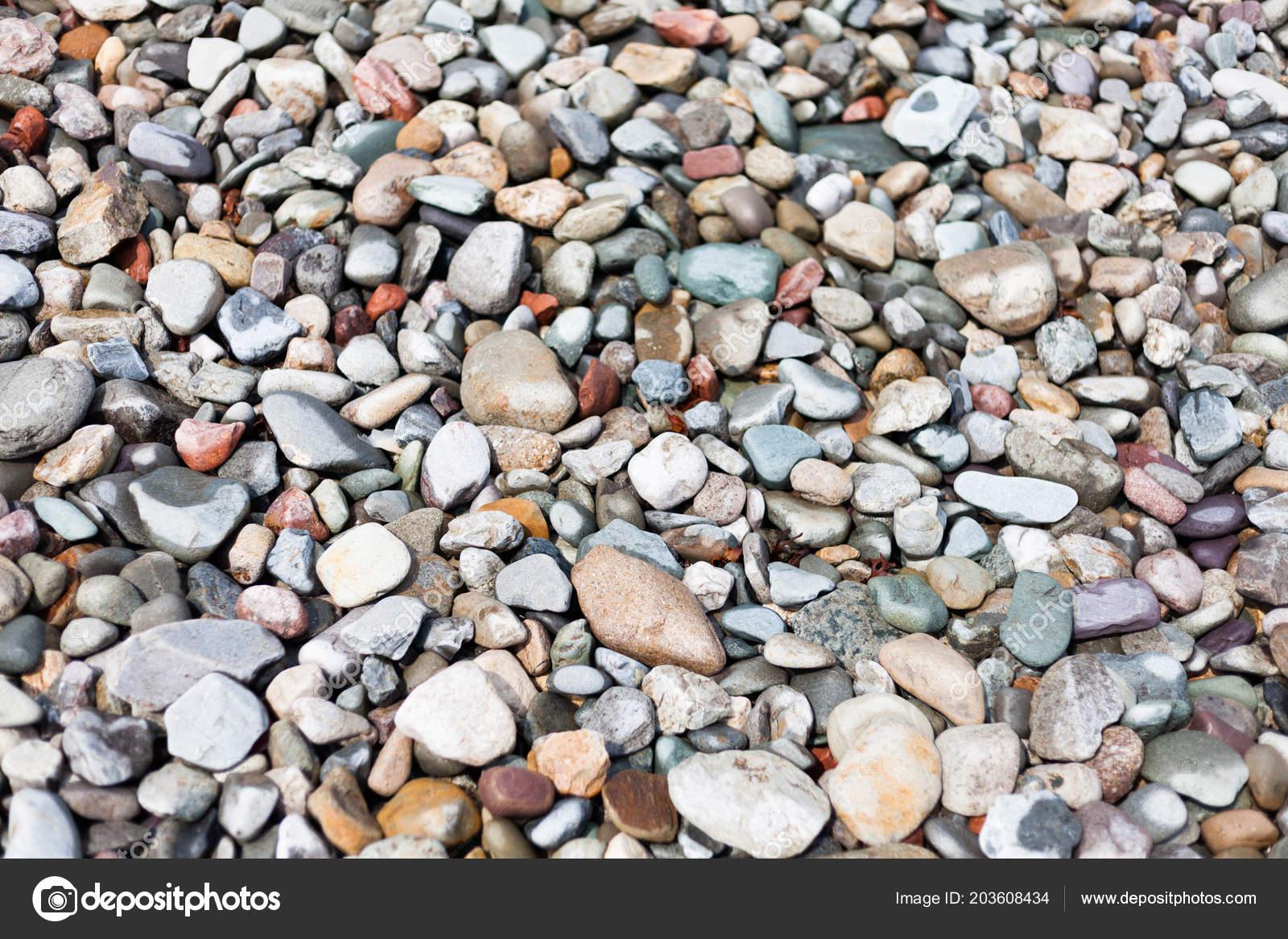 Pebbles Decorating Backyard Decoration Backyard Stones Pathway ...