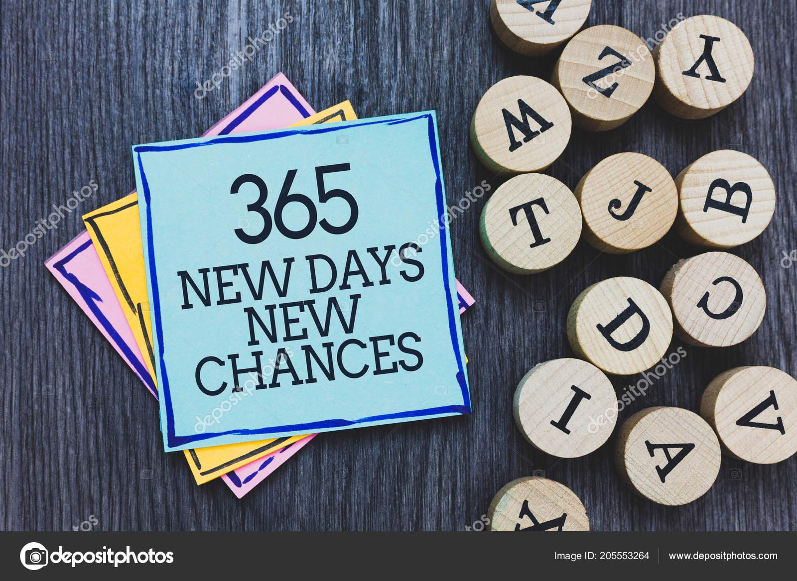 Écriture texte 365 nouveaux jours nouvelles chances autour concept
