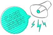 Rukopis textu Případová studie. Koncept, což znamená předmět projednat a vztahující se k tématu megafon reproduktor zelenou bublinu pruhy důležité hlasitý vzkaz