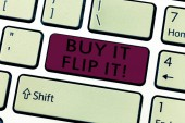 Word writing text buy it flip it. Geschäftskonzept zum Kauf etwas reparieren sie dann verkaufen sie für mehr Gewinn