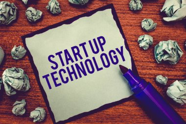 Writing note showing Start Up Technology. Business photo showcasing Young Technical Company initially Funded or Financed