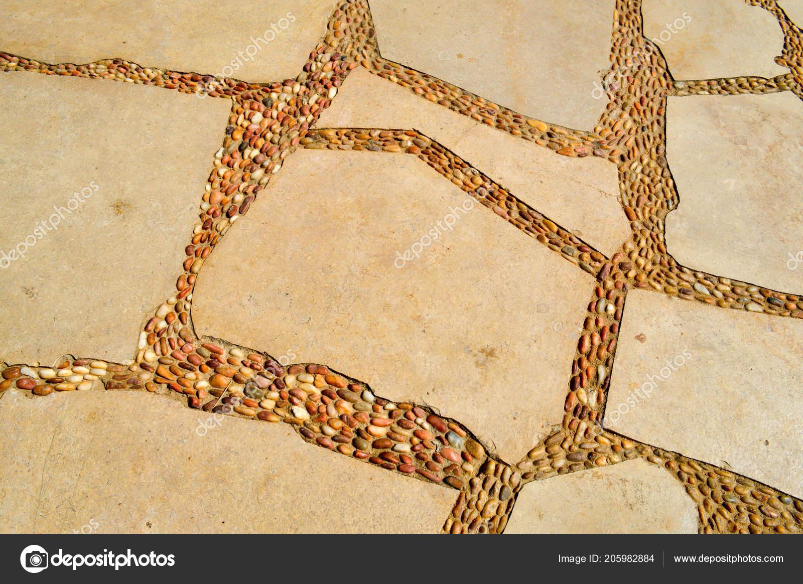 Prodotti piastrelle in gres porcellanato mosaici ciottoli in con