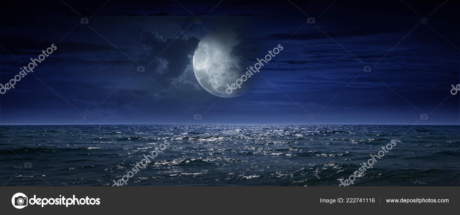 Mare Notte Oceano Come Sfondo Naturale Foto Stock Krivosheevv