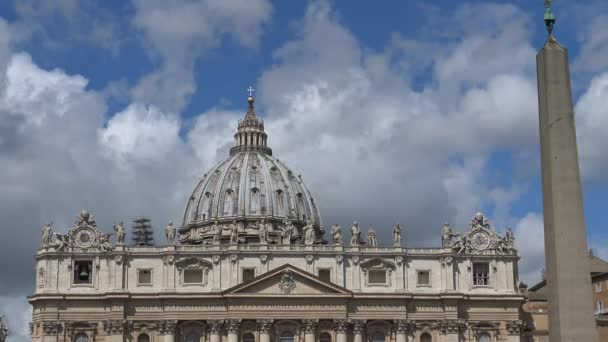 Rome, large dome of St. Peters Basilica. Fast mot