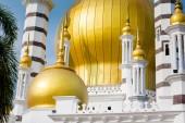 Krásná architektura mešita Ubudiah ve městě Kuala Kangsar městě v Malajsii. Sakrální stavby v jihovýchodní Asii