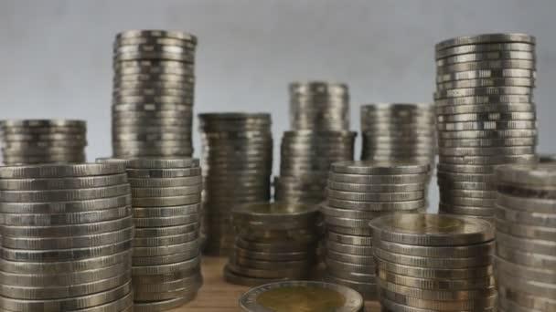 Mince uspořádané v řadě