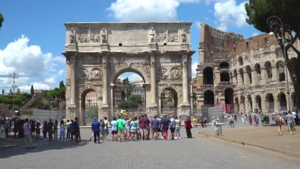 Roma, Italia - 15 giugno 2018. Vista dellArco di Costantino e Colosseo