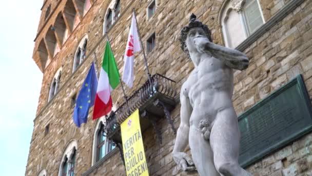 Náměstí Piazza della Signoria, Florencie, Toskánsko, Itálie 21 června 2018. Pohled na repliku socha Davida