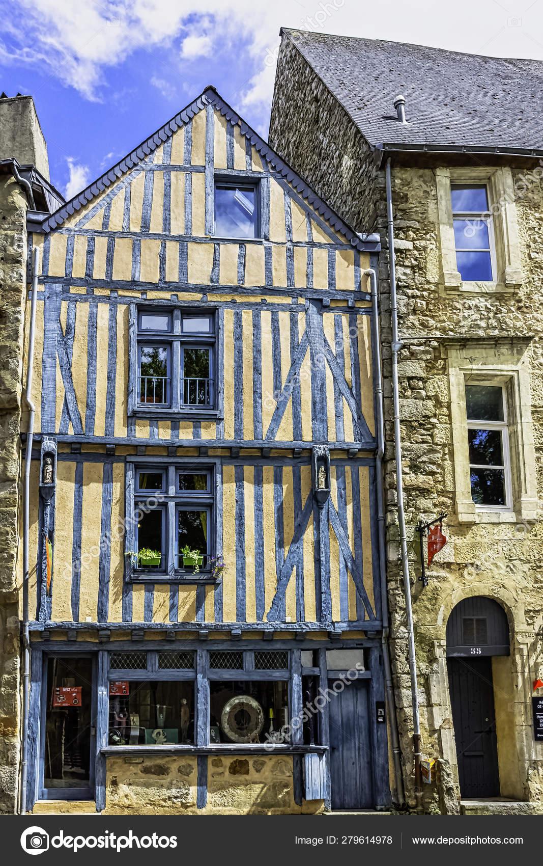 Architecte Le Mans vintage architecture old town mans maine france may 2019