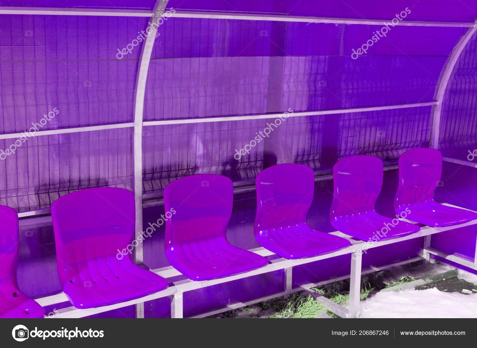 Posti Sugli Molti Plastica Vuoti Spalti Dello Stadio Sedie 35Ac4RqSLj