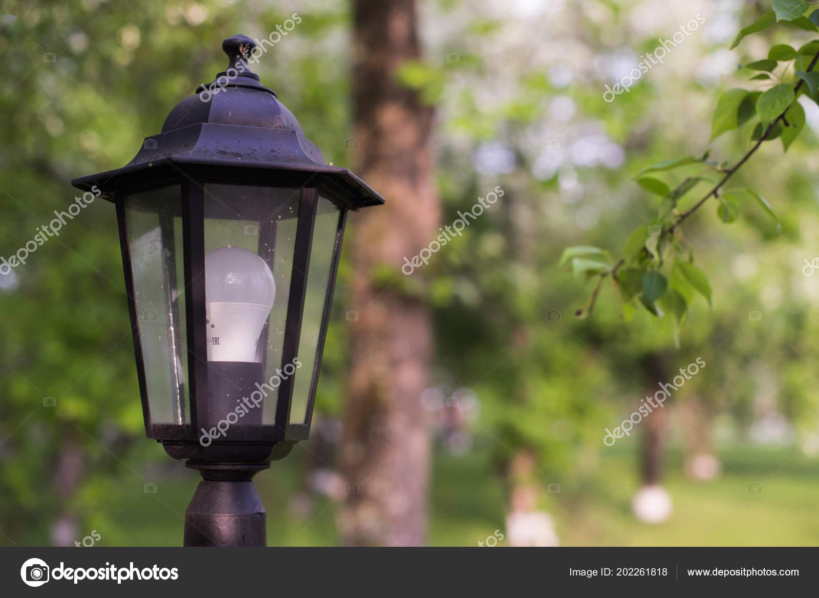 Lampione stradale a led lanterna in stile retrò con moderna
