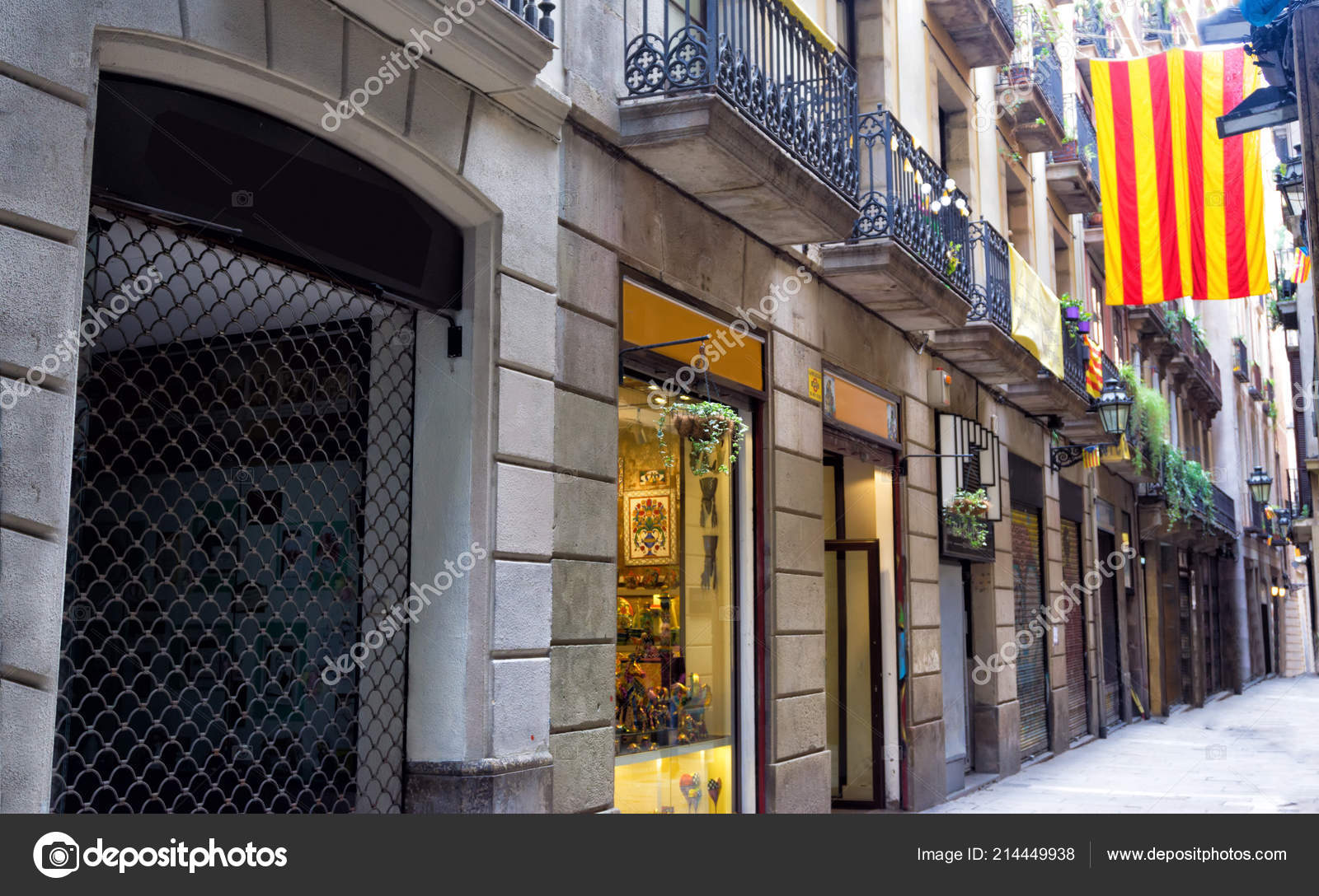 474a4d9ce6e View Stores Downtown Barcelona Spain – Stock Editorial Photo ...