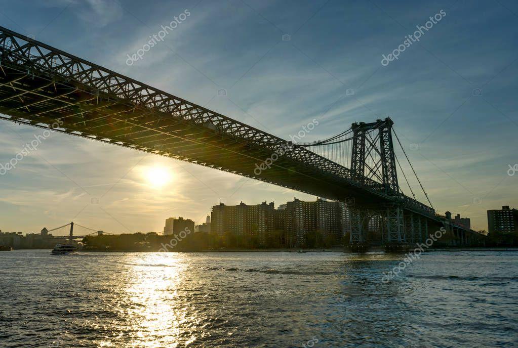 New York Skyline Mahatten World Trade Center Williamsburg Bridge