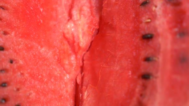 Textur der frischen reifen Wassermelone. Makro Nahaufnahme, Draufsicht 4k
