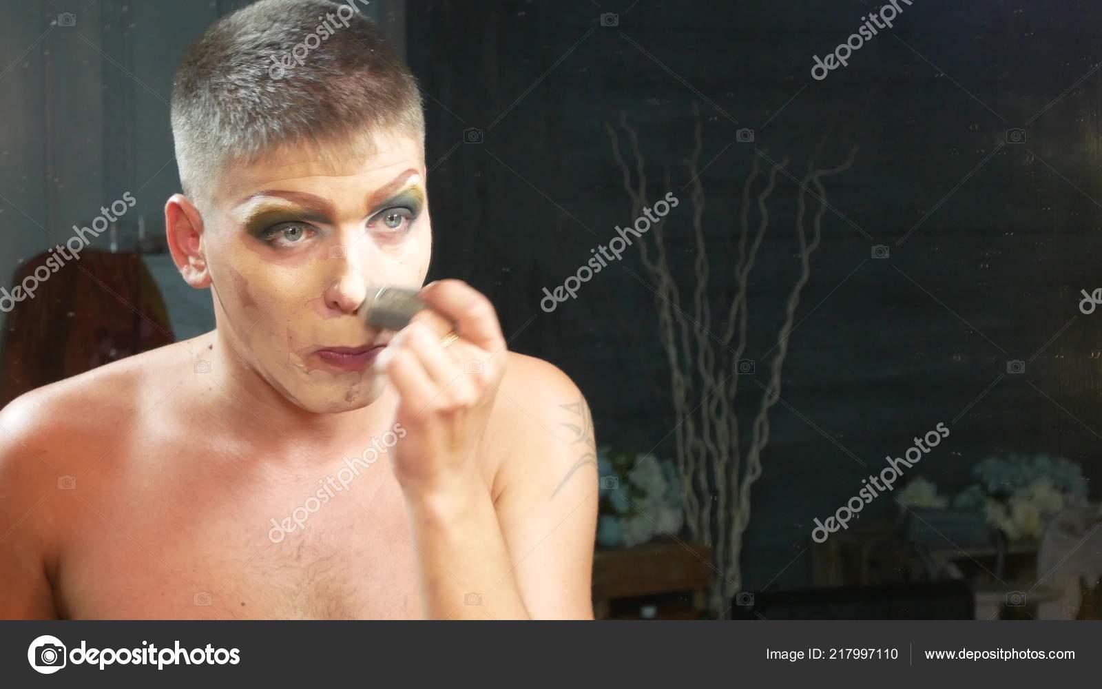 Русская телка на лице мужика, Порно Сидит на лице -видео. Смотреть порно онлайн! 21 фотография