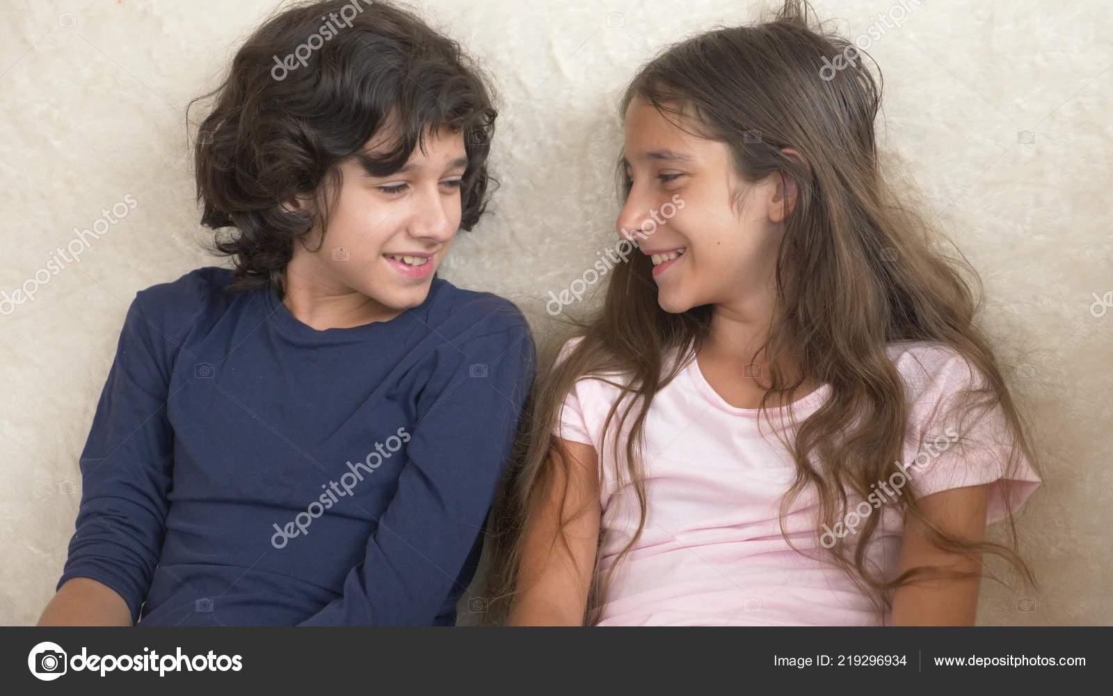 Сестра соблозняет брата, Сестра соблазнила своего брата - смотреть порно 20 фотография