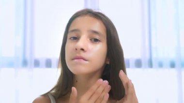 seksowna nastolatka rozprzestrzenia Lauren Cohan sex video