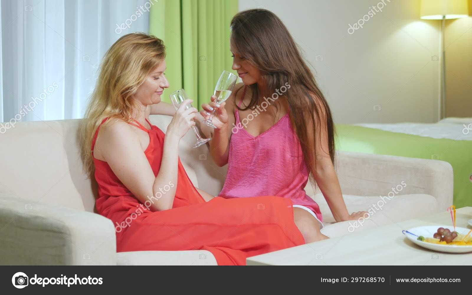 Drunk Early Lesbian Webcam