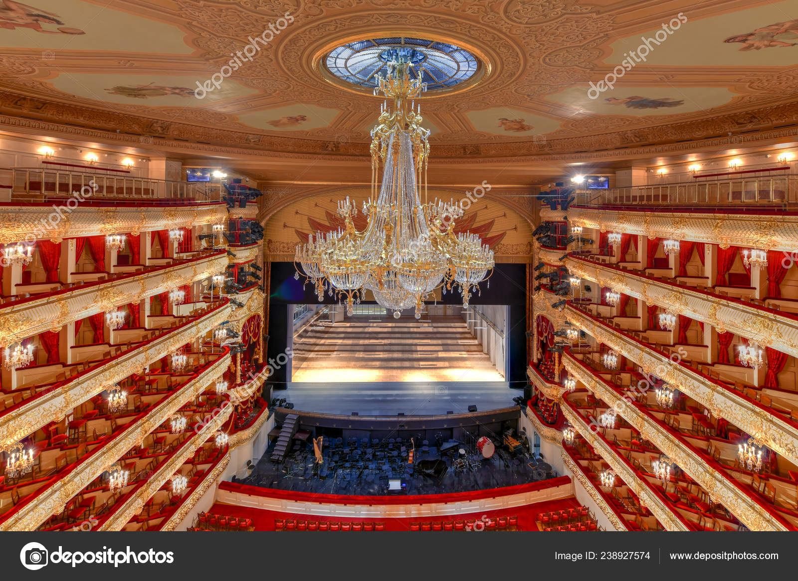 Moscow Russia June 2018 Bolshoi Theater Historic Theater Moscow Russia –  Stock Editorial Photo © demerzel21 #238927574