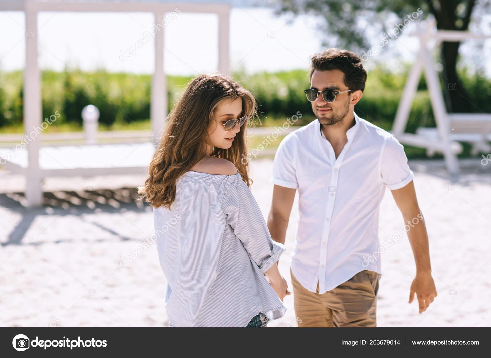 Dating φωτογραφίες με ρούχα