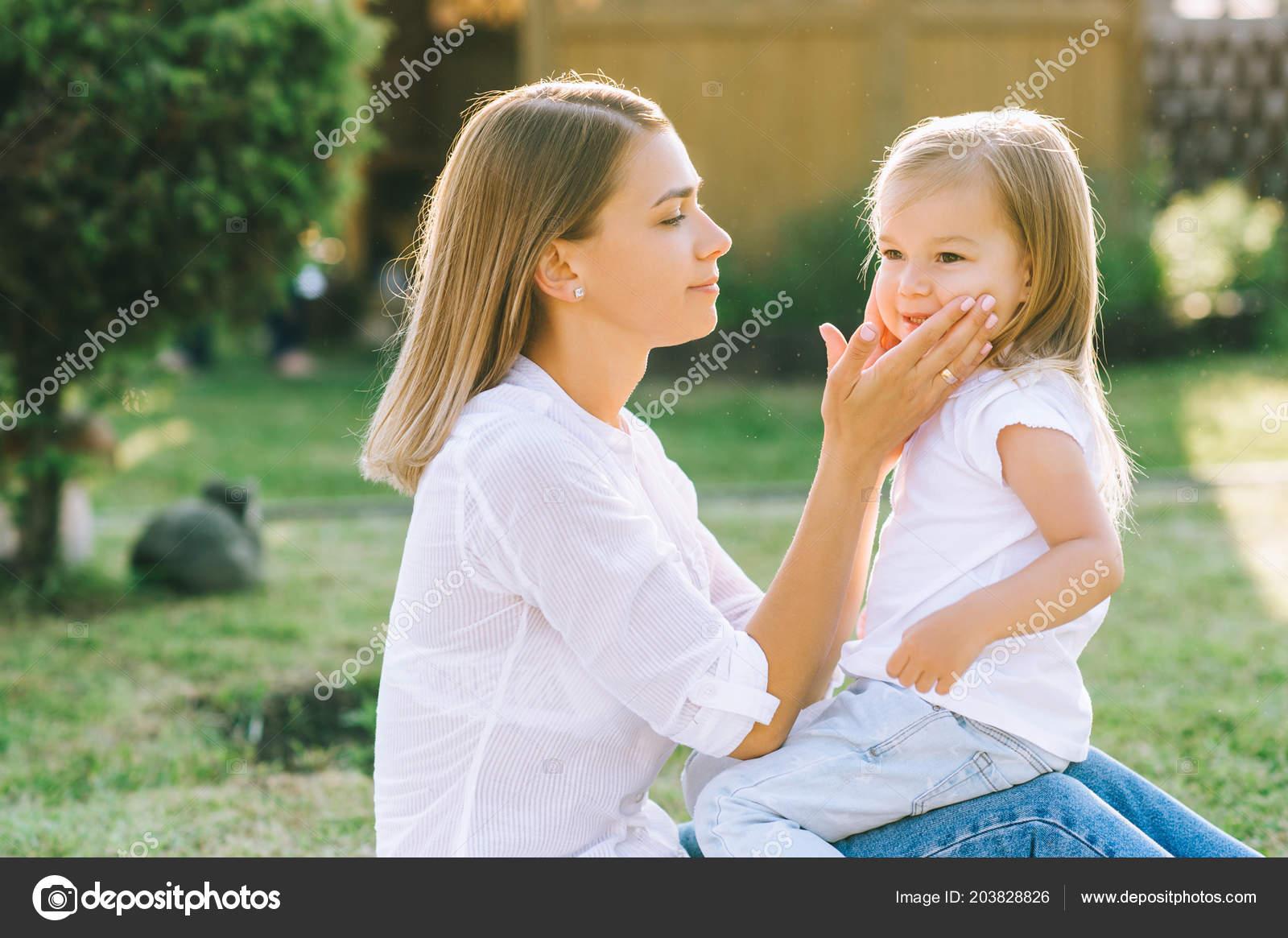 Фото мамы и дочки без лица, Мамы и дочки (19 фото) 23 фотография